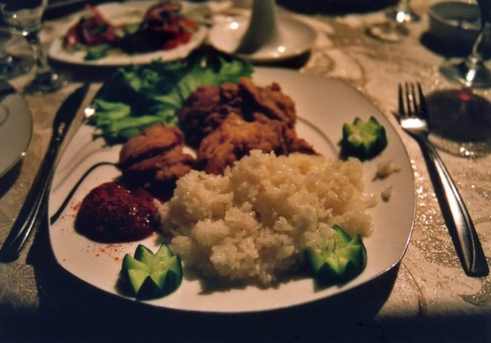 高級レストランでチキン定食【ウズベキスタン(サマルカンド)】