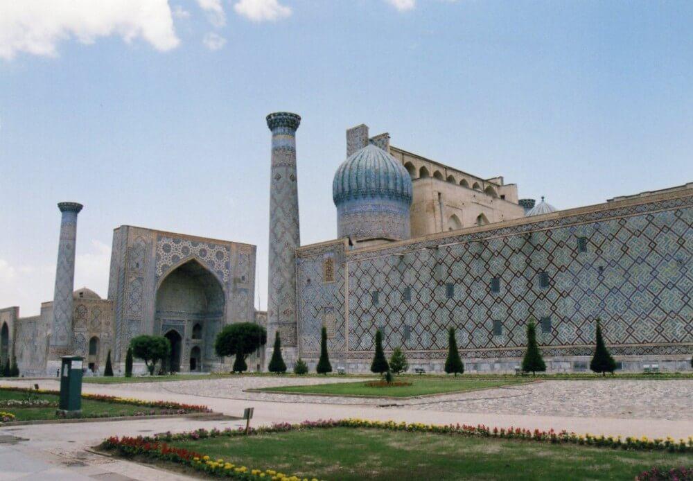 サマルカンドの中心、レギスタン広場 【世界遺産】【ウズベキスタン(サマルカンド)】