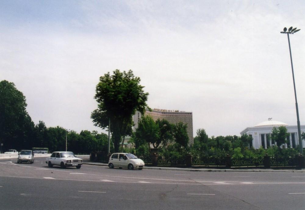 路線バスでタシケントの街を移動【ウズベキスタン(タシケント)】