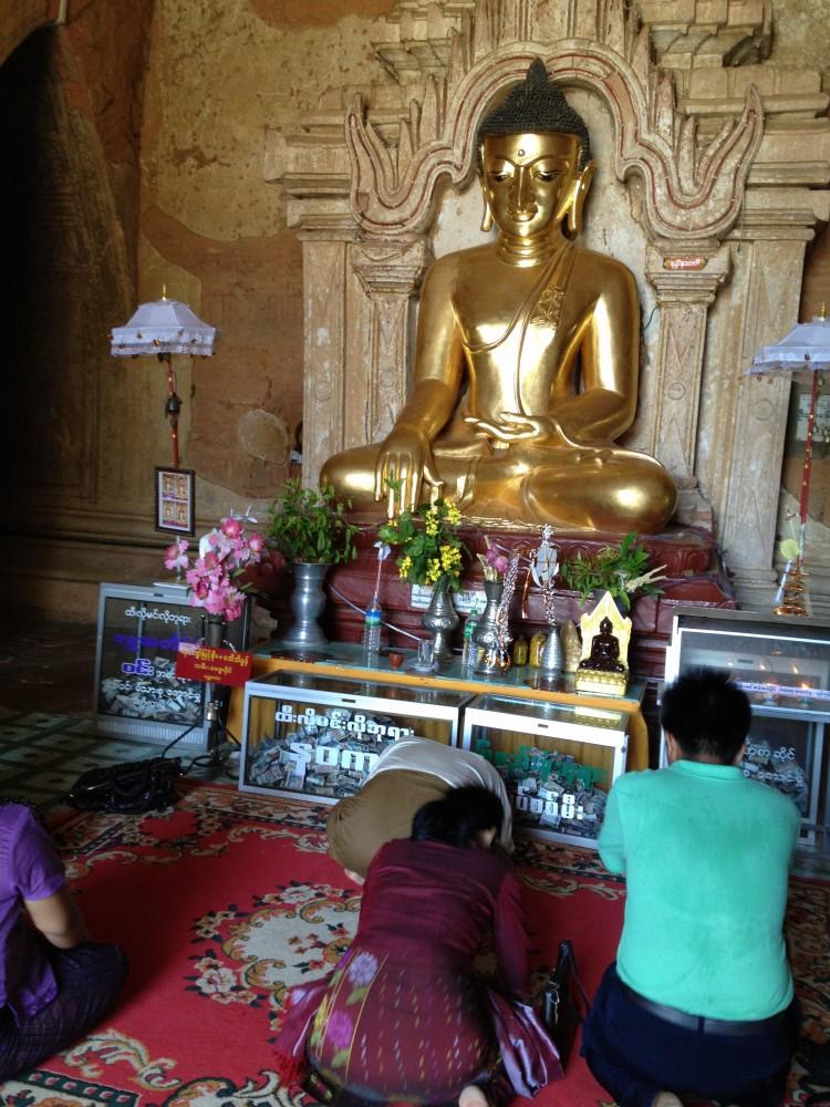 ティーローミィンロー寺院の仏像 【バガン遺跡】【ミャンマー(バガン)】