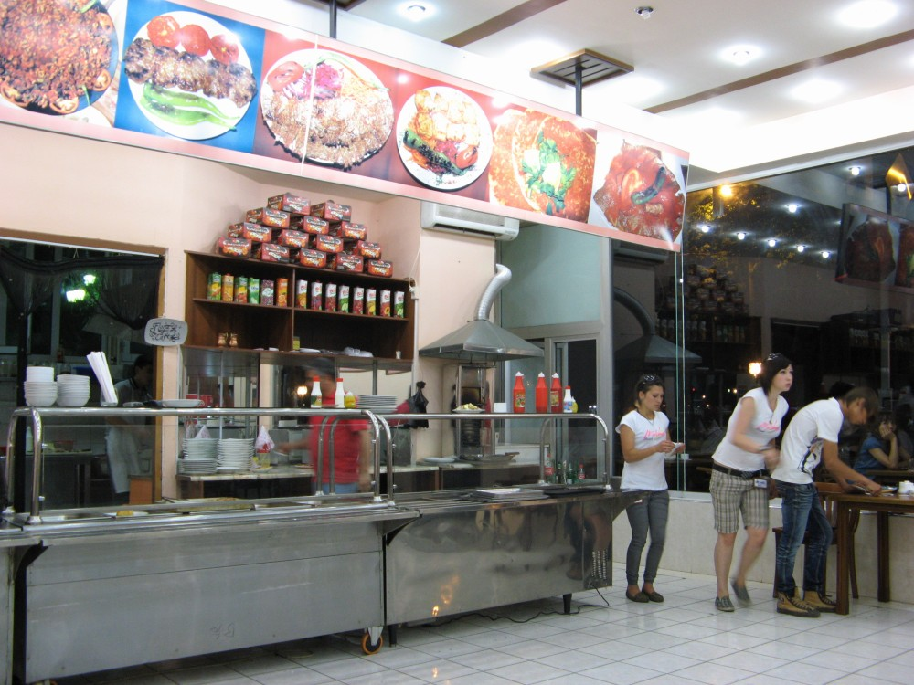 タシケントのファーストフード店