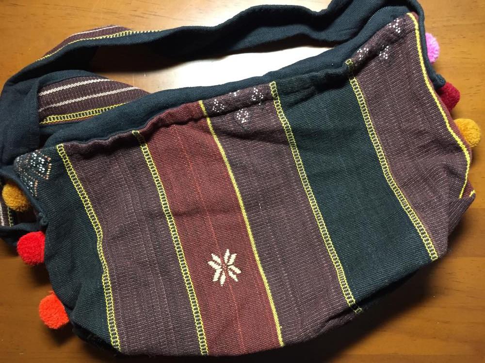 ミャンマー、カチン族のハンドバッグ
