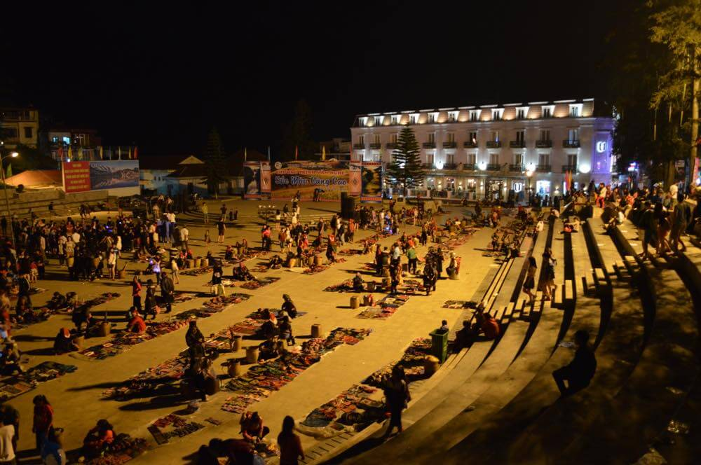 ベトナム2 サパ 夜の広場