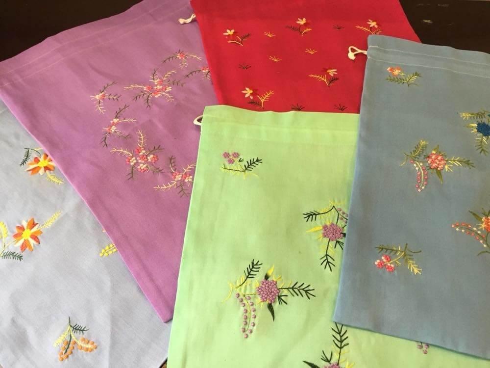 ベトナムお土産 刺繍巾着【雑貨】
