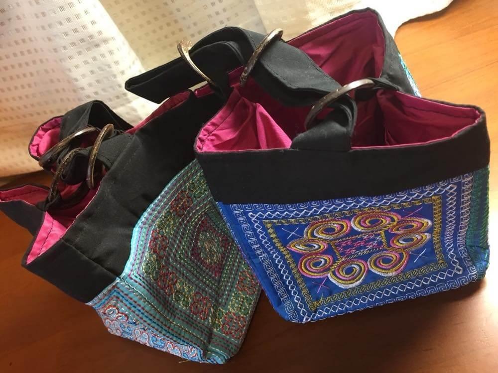 ベトナムお土産 花モン族の刺繍バッグ【お土産】