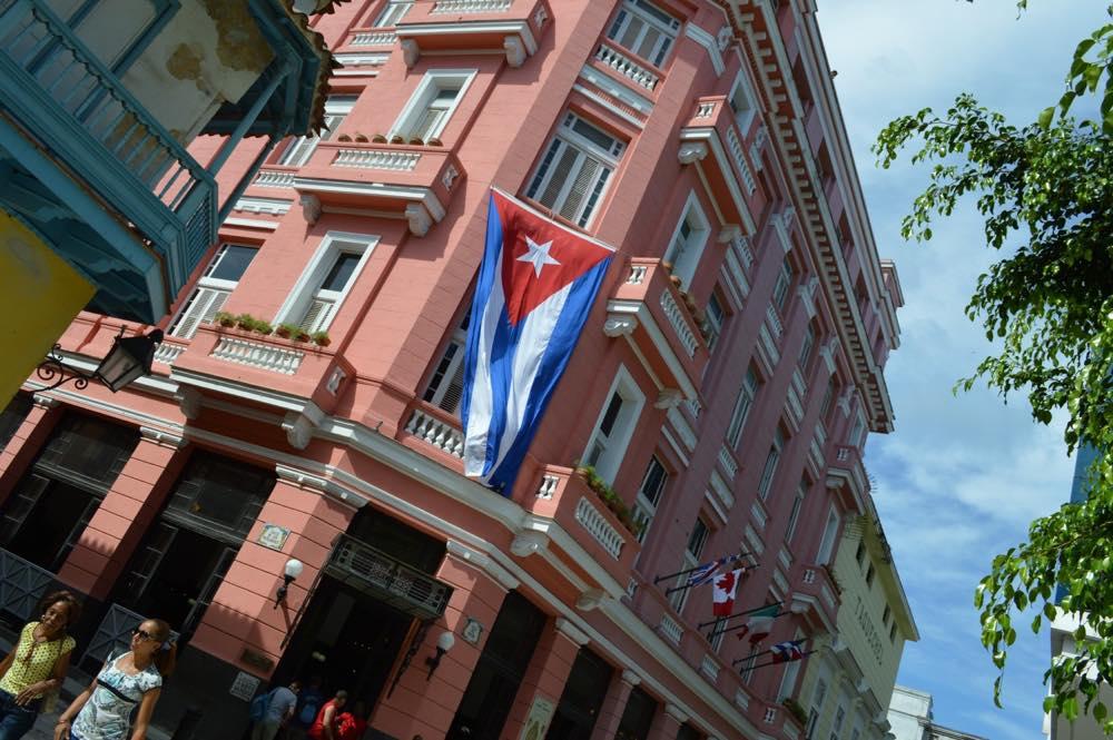 ヘミングウェイが常宿にしていたホテル・アンボス・ムンドス、ハバナ旧市街 【キューバ Cuba】