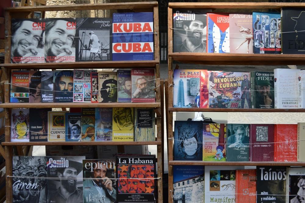 アルマス広場の本屋、ハバナ旧市街 【キューバ Cuba】
