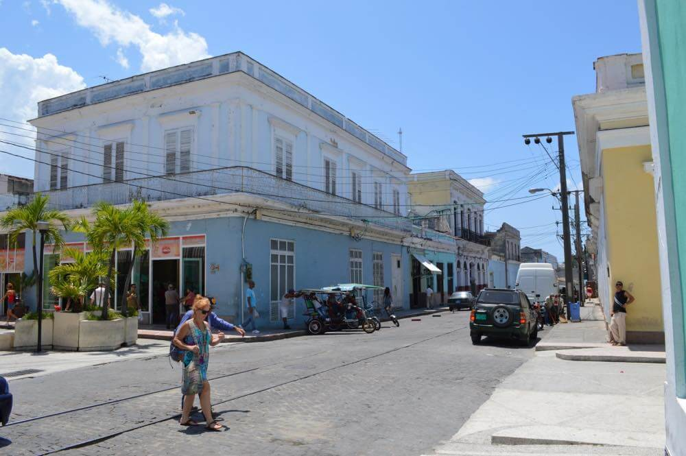 シエンフエゴスの街、バスでトリニダーへ 【キューバ Cuba】