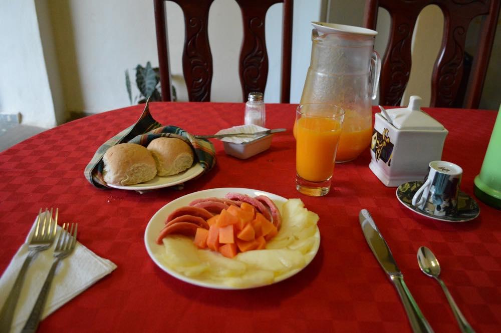 トリニダーのカサ(民宿)の朝食 【キューバ Cuba】