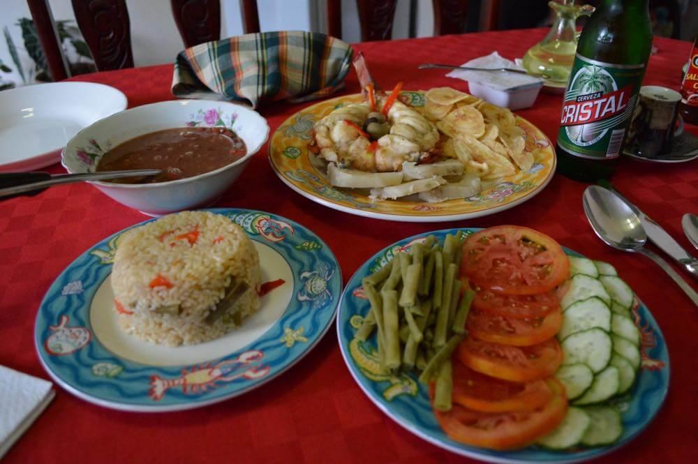 トリニダーのカサ(民宿)の夕食 【キューバ Cuba】