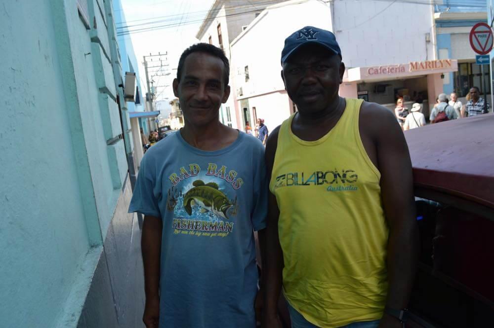 客引き(モロ要塞へ一緒に行った)、サンティアゴ・デ・クーバの風景 【キューバ Cuba】