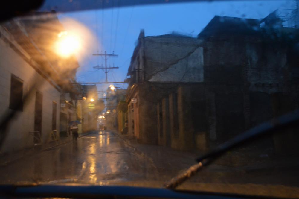 雨のサンティアゴ・デ・クーバの風景 【キューバ Cuba】