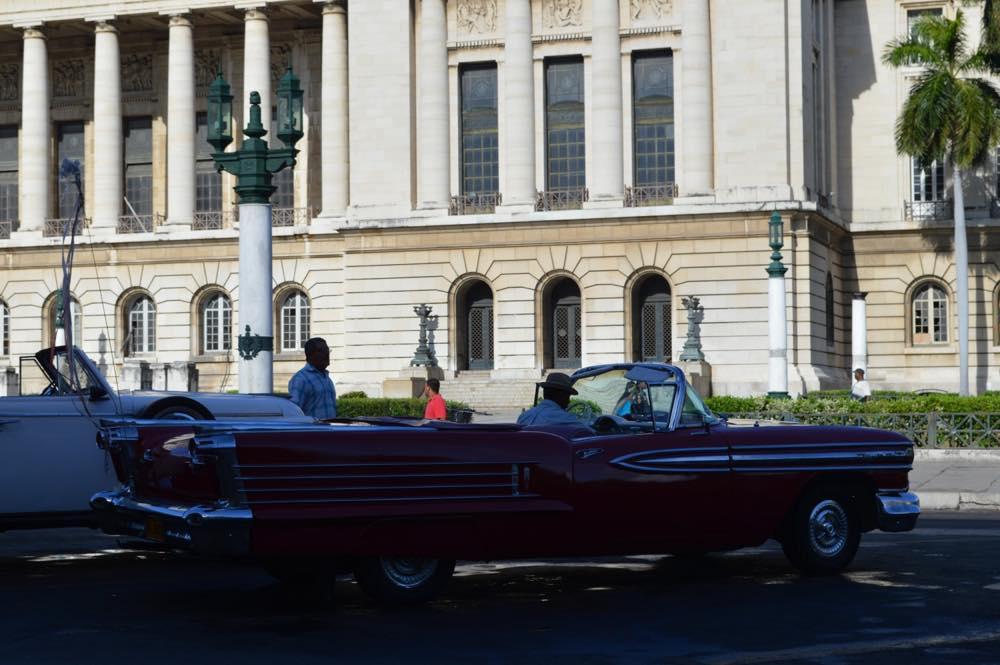 クラシックカー、ハバナ旧市街 【キューバ Cuba】