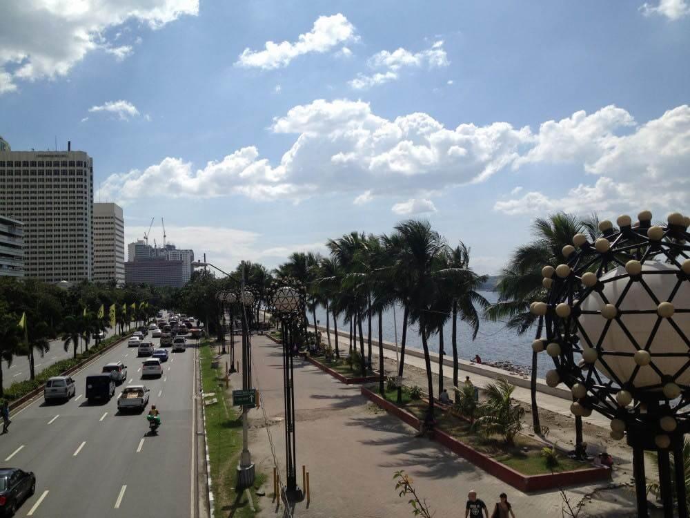 フィリピン、マニラ。マラテ地区の海岸通り