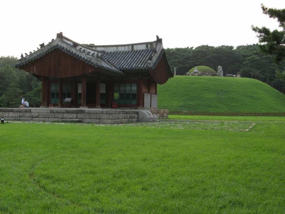 李氏朝鮮歴代の王陵「朝鮮王陵」、ソウル中心部にある「靖陵(チョンヌン)」【韓国、ソウル】