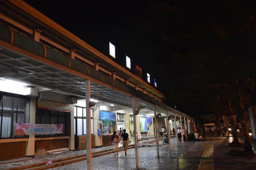 夜の花蓮駅【台湾】