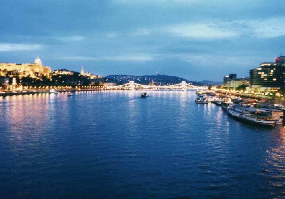 夜景のきれいなブダペスト【ハンガリー】