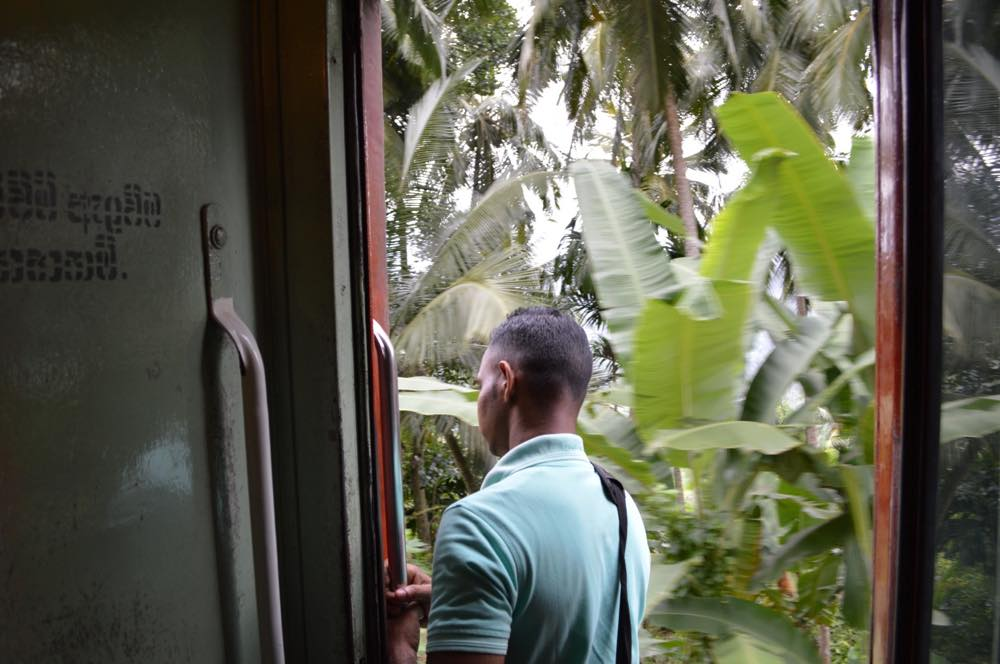 コロンボから列車でキャンディへ【スリランカ】コロンボから列車でキャンディへ