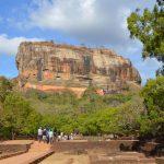 ジャングルにある巨大岩「シーギリヤ・ロック」に登る(世界遺産)【スリランカ】