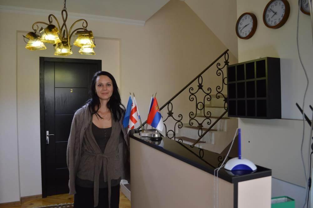 トビリシのホテル「ログインホテル」の女性スタッフ【ジョージア(グルジア)Georgia:საქართველო】