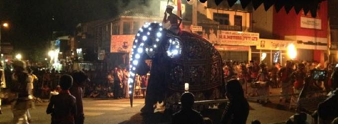 ペラヘラ祭り(スリランカ)
