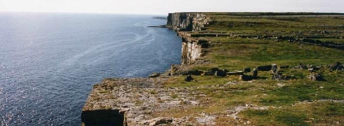イニシュモア島(アイルランド)