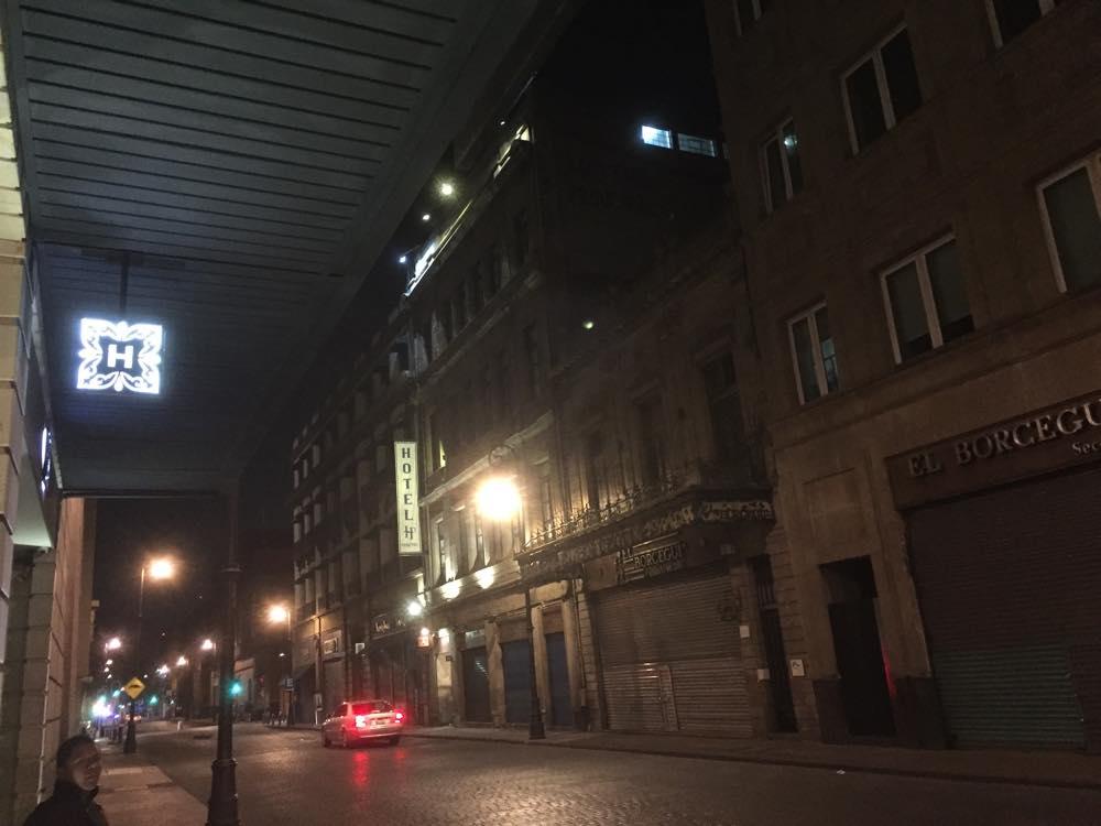 夜のボリバル通り(メキシコシティ③)【メキシコ】