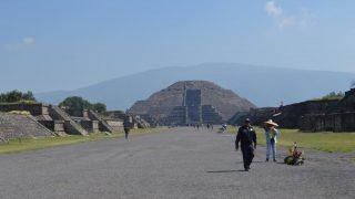 「テオティワカン遺跡」で歴史ロマンを満喫!現地発半日ツアー(ガイド付き)【メキシコ】