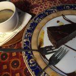 レトロな雰囲気の店内で濃厚チョコレートケーキがいただける『ピエール・ショコラテリエ』@エストニア・タリン