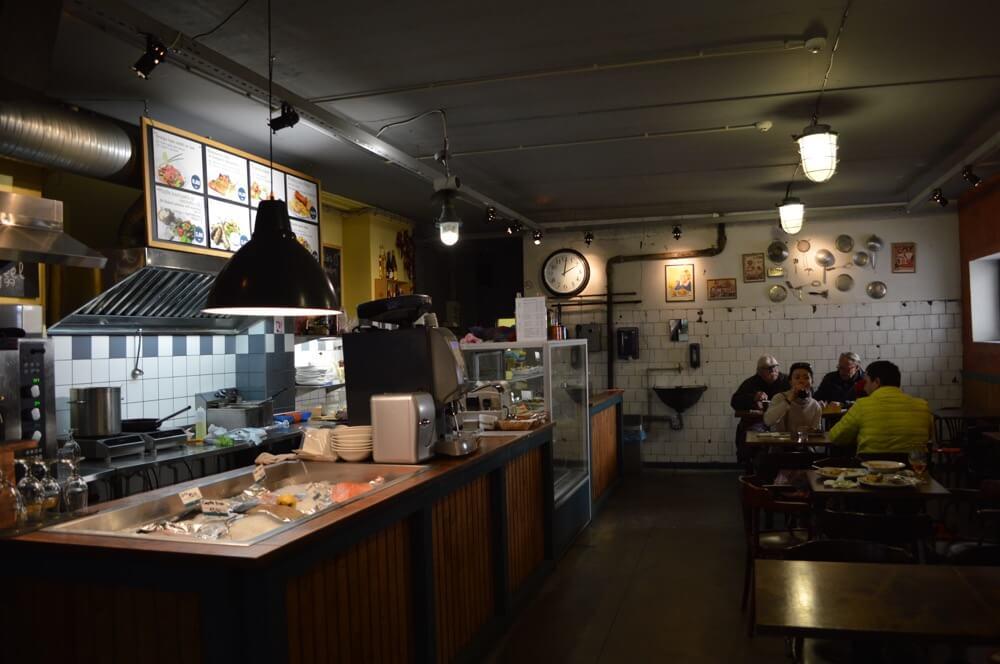 リガのレストラン(スィリチーテス・ウン・ディリーテス:バルト三国⑦:ラトビア:リガ)