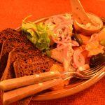 毎晩剣のショーが見られる、中世をテーマにしたレストラン『ペッパー・サック』@エストニア・タリン