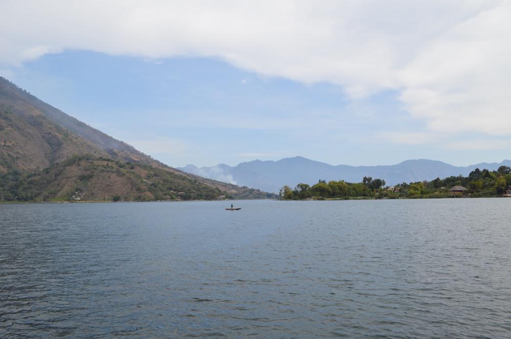 【グアテマラ④:アティトラン湖1】