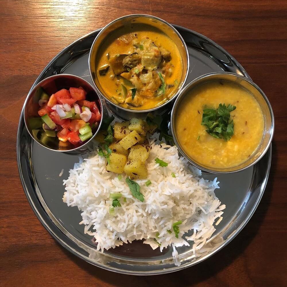 【おうちカレー】南インド、タミル式夏野菜のココナッツカレー ・ダールカレー