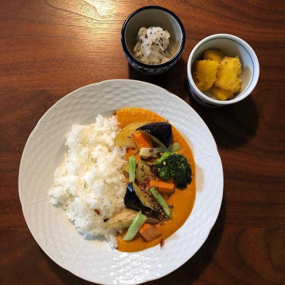 【おうちカレー】野菜の素揚げが、カレーに合う
