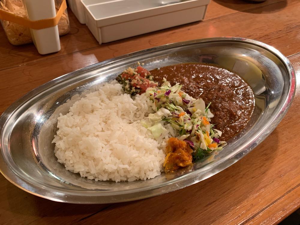 神泉、ポークビンダルー食べる副大統領